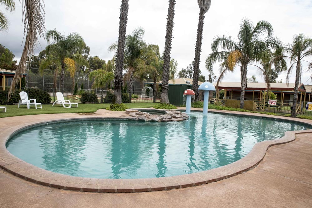 Barooga Country Inn Motel Swimming Pool